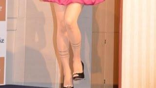 AKB48小嶋陽菜セクシー・ストッキングで美脚披露 「足にはこだわりたい」