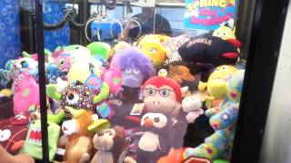 FREEZE & FRETS: THE LOST TAPES - Claw Machine Winning! Skill Crane Grabber Game NEN