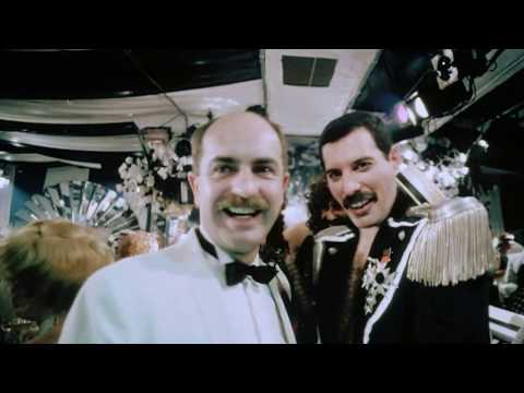 Freddie Mercury - Living On My Own (Freddie's 39th Birthday) - Official Music Video (High Quality)