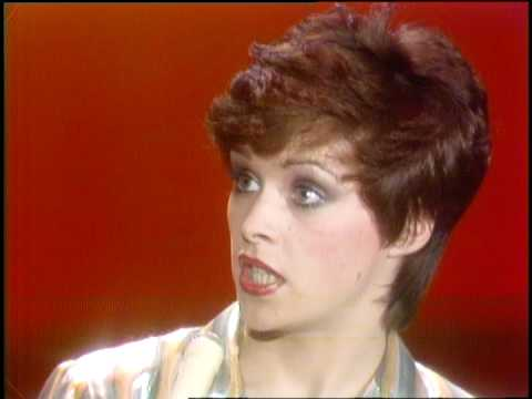 Dick Clark Interviews Sheena Easton - American Bandstand 1981