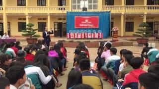 Diễn giả, Tiến sĩ Huỳnh Anh Bình hướng nghiệp cho học sinh tại Tân Sơn, Phú Thọ