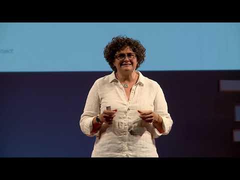 La atención es el corazón de la inteligencia | Charo Rueda | TEDxPuertadePurchena