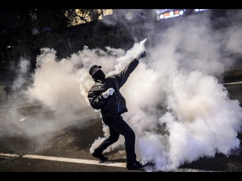 Gold Drops, Venezuela Collapse, India Banning Cash, Secret Service Needs to Arrest the FED