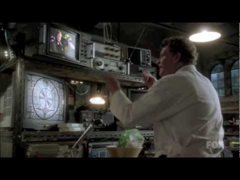 Golden Globe Moments: John Noble as Walter Bishop FRINGE, Season 4