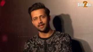 Atif Aslam Sing In Live Interview Watch This And Don