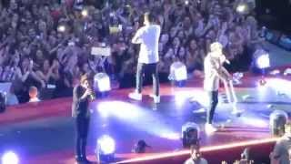 One Direction - Story Of My Life (Düsseldorf, Germany) HD, Narry