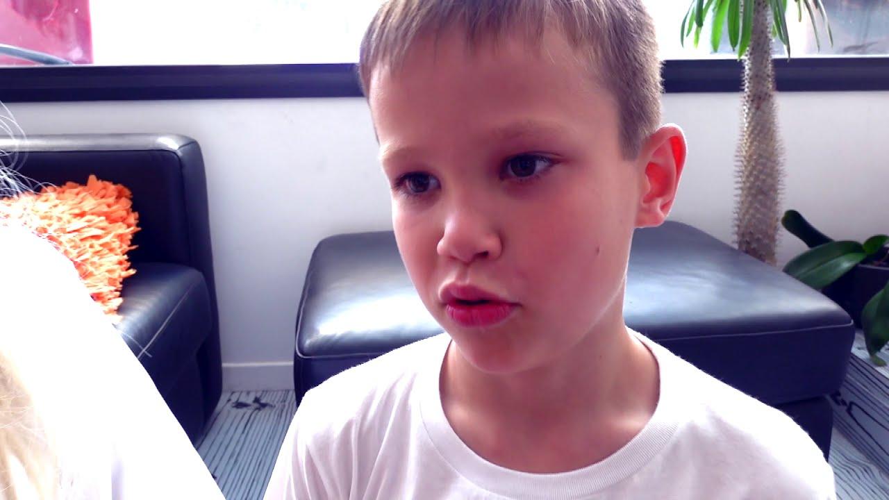 Балди РАЗБИЛ новый iPad Макса и смешная бабушка в реальной жизни мешает детям или kids VS Baldi