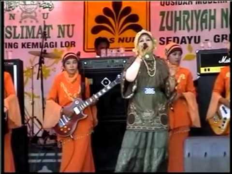 Pedagang Kaki Lima, Enita Arinda * Qosidah ZUHRIYAH NADA - Gresik (Lamongan 27 Sept 2010)