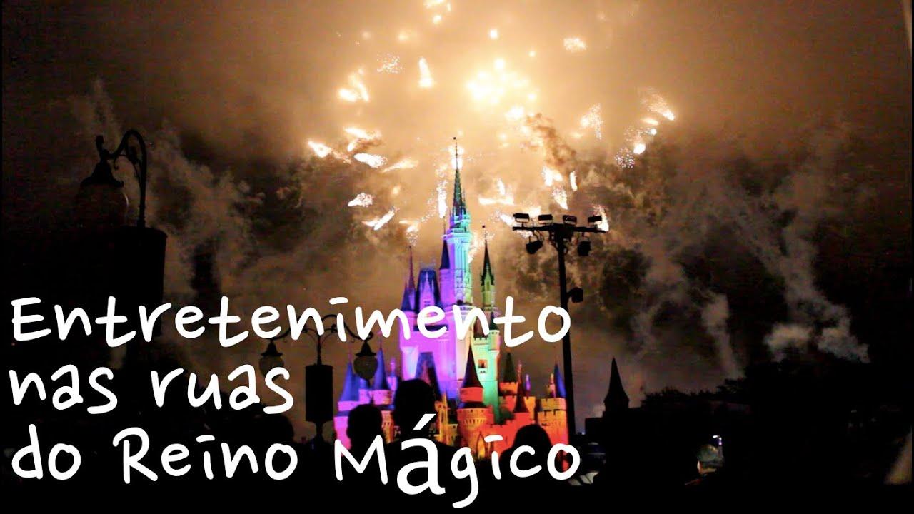 Entretenimento nas Ruas do Reino Mágico