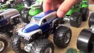 Monster Jam Hot Wheels Grave Digger Diecast Collection: Grave Digger Trailer