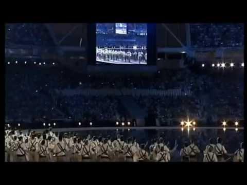 Το ζεϊμπέκικο της έναρξης στους Ολυμπιακούς Αγώνες του 2004. Olympic games Athens 2004 mp4