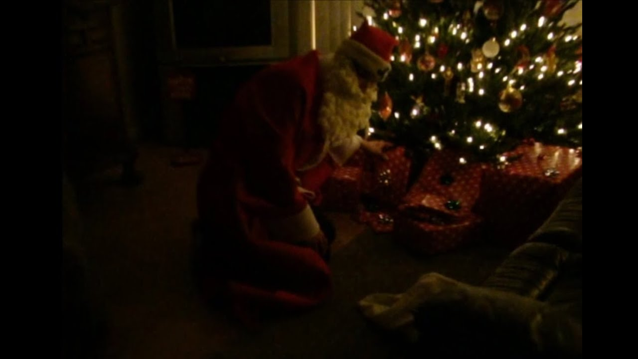 Santa Claus Caught on Tape 2015 - REAL FOOTAGE - YouTube