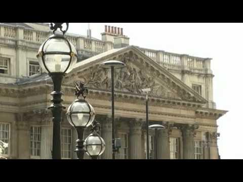 Moody's downgrades British banks