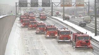 Москву накрыл снегопад. Огромные пробки и ветер screenshot 4