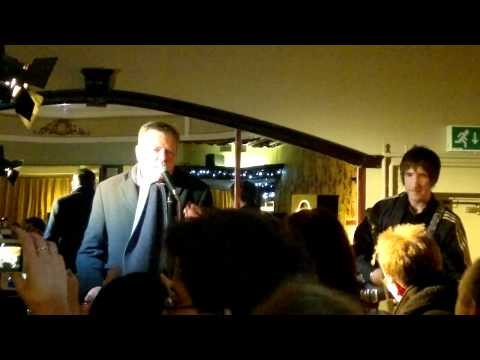 Suggs singing live in the polar bear