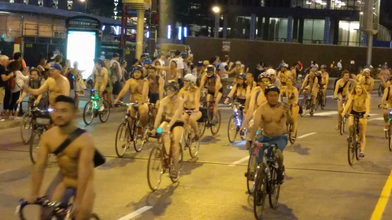 bike ride chicago World naked