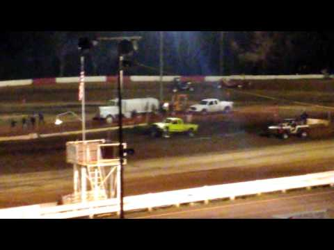 Coos Bay Speedway Mud drags 2016