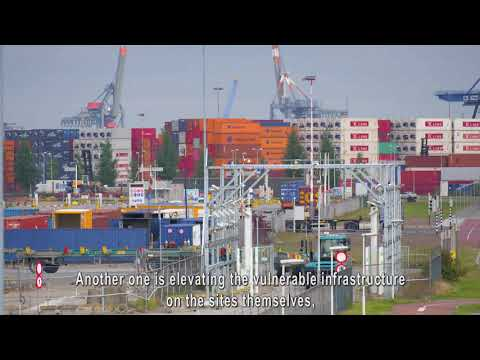 Flood risk management in the port of Rotterdam