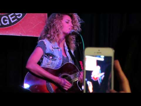 Tori Kelly Fill A Heart Tour, singing