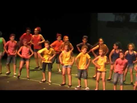 Festival fin de curso 2016-2017. Actuación del alumnado de 4º Primaria.