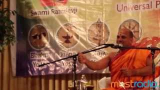 Sri 1008 Sri Suguneendra Theertha Swamiji of Udupi Sri Puthige Matha speaks in Sanskrit