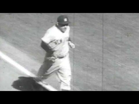 1956 WS Gm7: Berra hits a pair of home runs