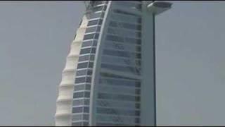 Burj al-Arab Hotel - helicopter lands