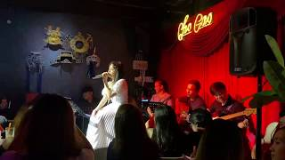 Chợ Gao Bar:Thái Trinh nghẹn ngào hát Tất Cả Sẽ Thay Em (Phạm Quỳnh Anh)