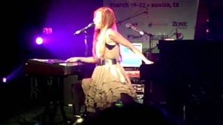 Tori Amos - Barons of Suburbia (live at SXSW)