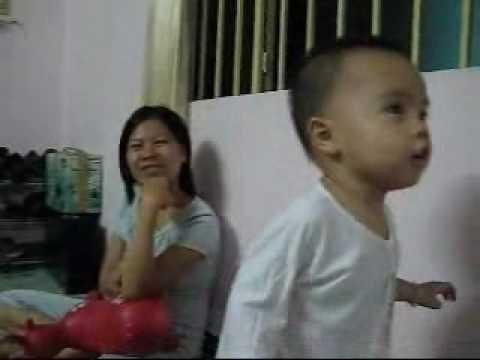 Le Tho Khanh Hung - Hoan ho chu bo doi - 19 thang tuoi