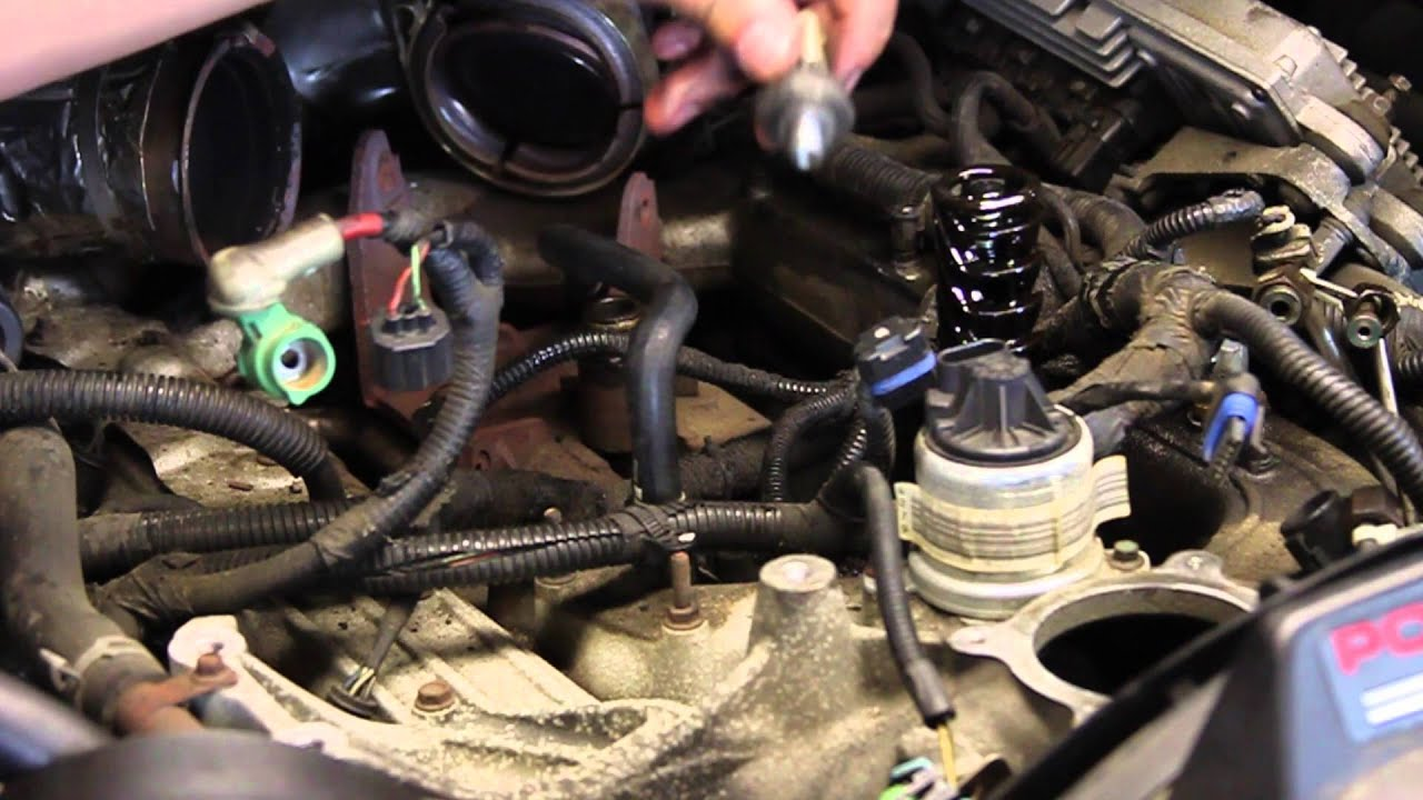 Ford   Powerstroke Engine Oil Pressure Sensor Replacement