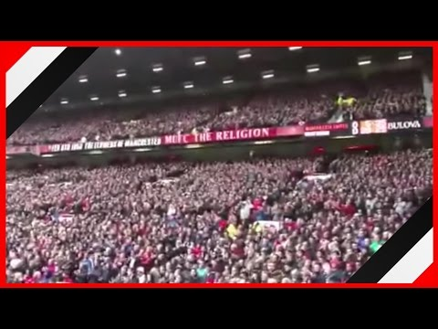 Old Trafford sings Rio Ferdinand chant to show support | MUFC 0-1 WBA | Ferdinand retires