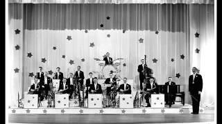 GLEN GRAY & THE CASA LOMA ORCHESTRA PLAYS