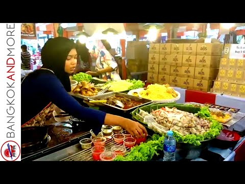 Carnival Market @ Central World Plaza Bangkok - Thai Street Food Vendors at Work
