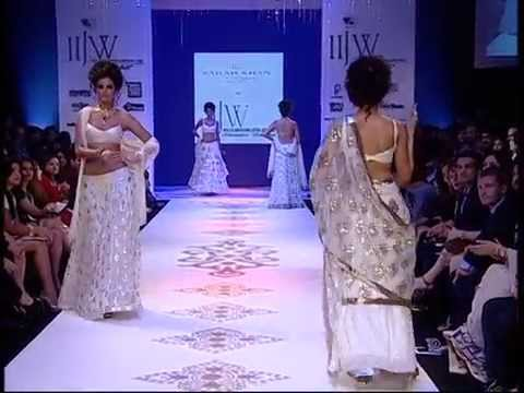 Farah Khan Ali IIJW 2010 - Deepika walks ramp as show stopper