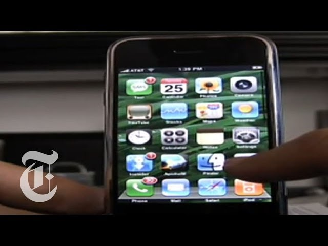 Mobile Porta Computer In Metallo.Hacking The Iphone The New York Times Youtube