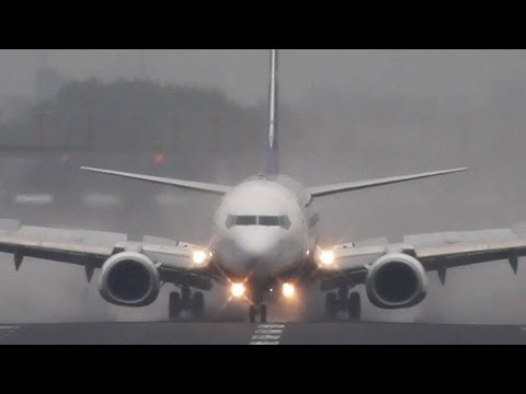 Boeing 737-800 Winglet Vs. Airbus A320 Sharklet - You Decide !! (HD)