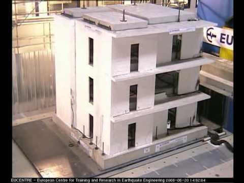Effetti di un evento sismico su edificio degli anni 39 60 for Piani di costruzione di piccole case