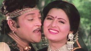 Download Navrangi Re Tari Chunadi - Naresh kanodia, Unchi Medina Uncha Mol ,Romantic Song MP3 song and Music Video