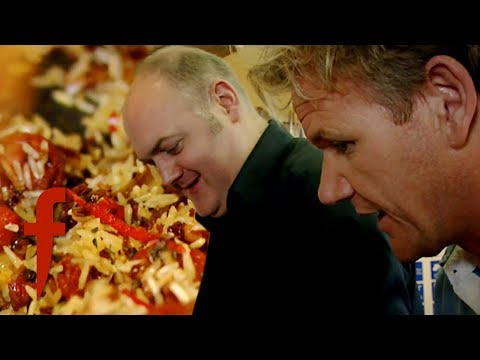 Gordon Ramsay Helps Dara Ó Briain To Cook Tiger Prawn Pilaf