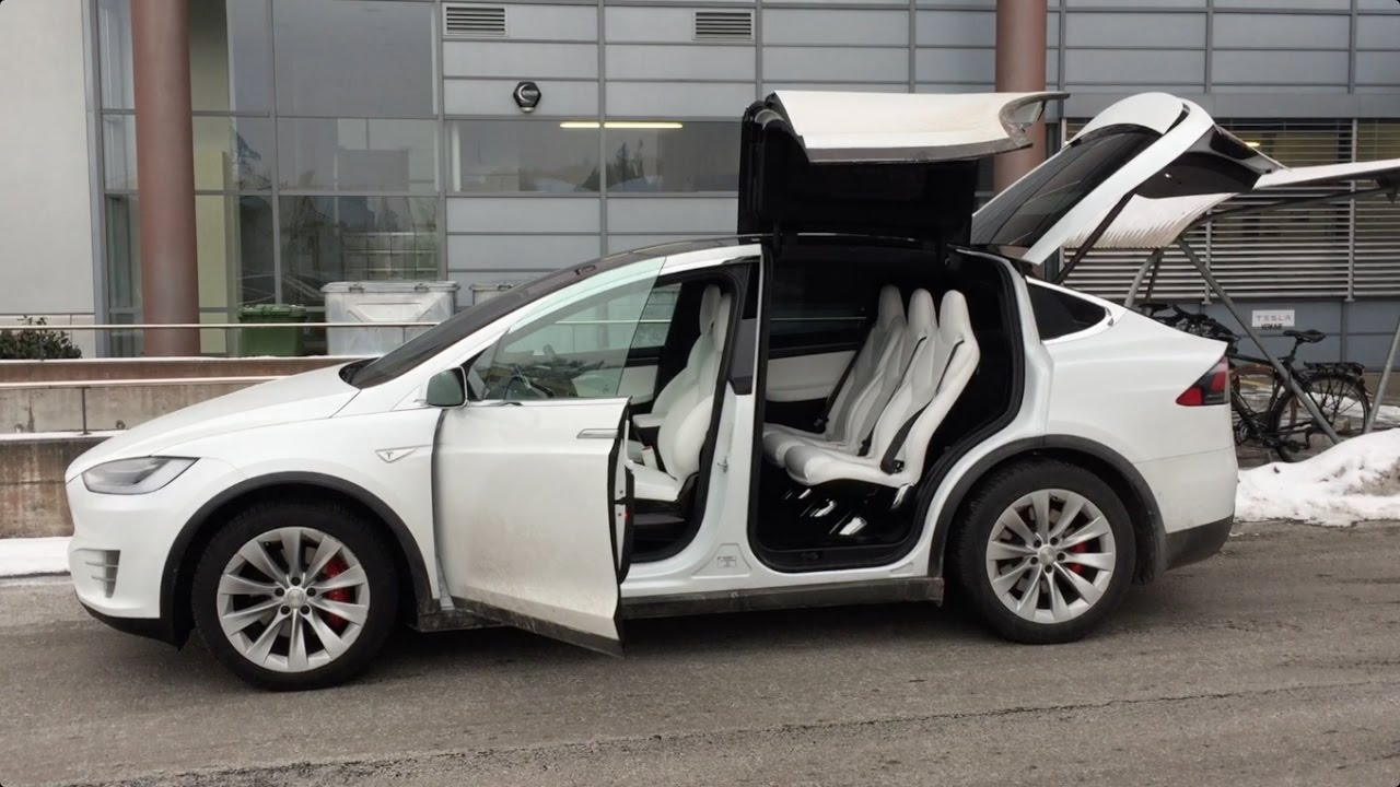 Tesla Model X Falcon Wing Doors Tested in Tight Garage & Tesla Model X Falcon Wing Doors Tested in Tight Garage - YouTube