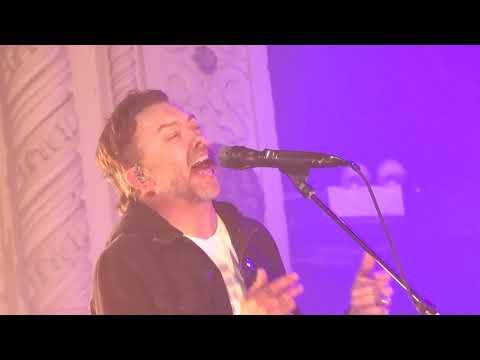 Смотреть клип Rise Against - Broken Dreams, Inc.