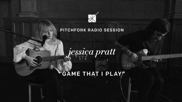 "Jessica Pratt performs ""Game That I Play"" - P4k Radio Session"