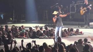 Young w/ 3rd verse - Kenny Chesney, Rupp Arena, Lexington, KY