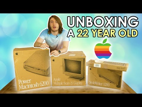 Unboxing a 22 Year Old Apple Computer!