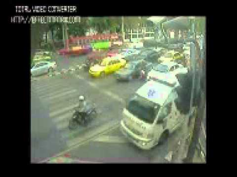 คลิปคนร้ายคลั่งฆ่าตำรวจ ยิงแท็กซี่ดับก่อนถูกวิสามัญ