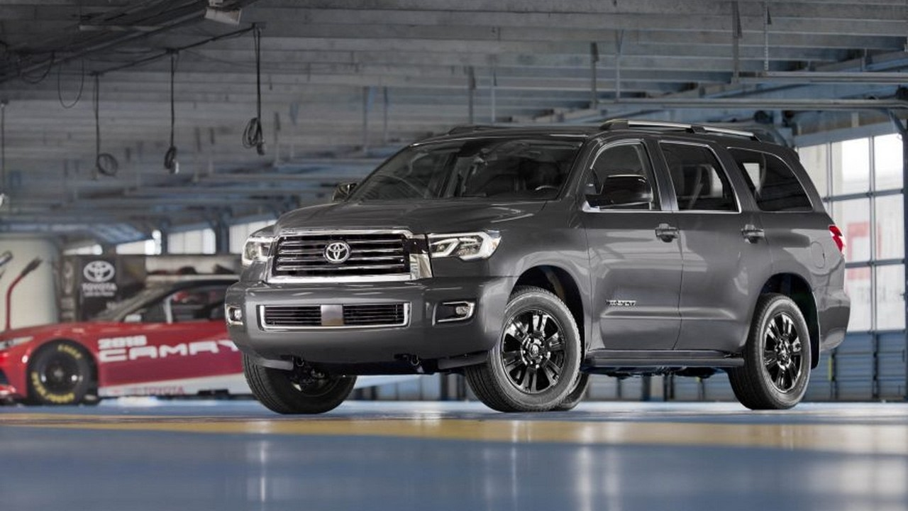 The Ancient Behemoth 2018 Toyota Sequoia Best Reviews Prices Interior 2017 Chicago Auto Show