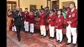 President Kovind meets National Bravery Award winning children