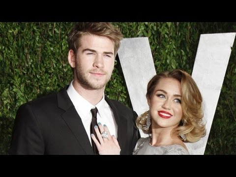 Miley Cyrus engaged to Hunger Games star Liam Hemsworth Mp3
