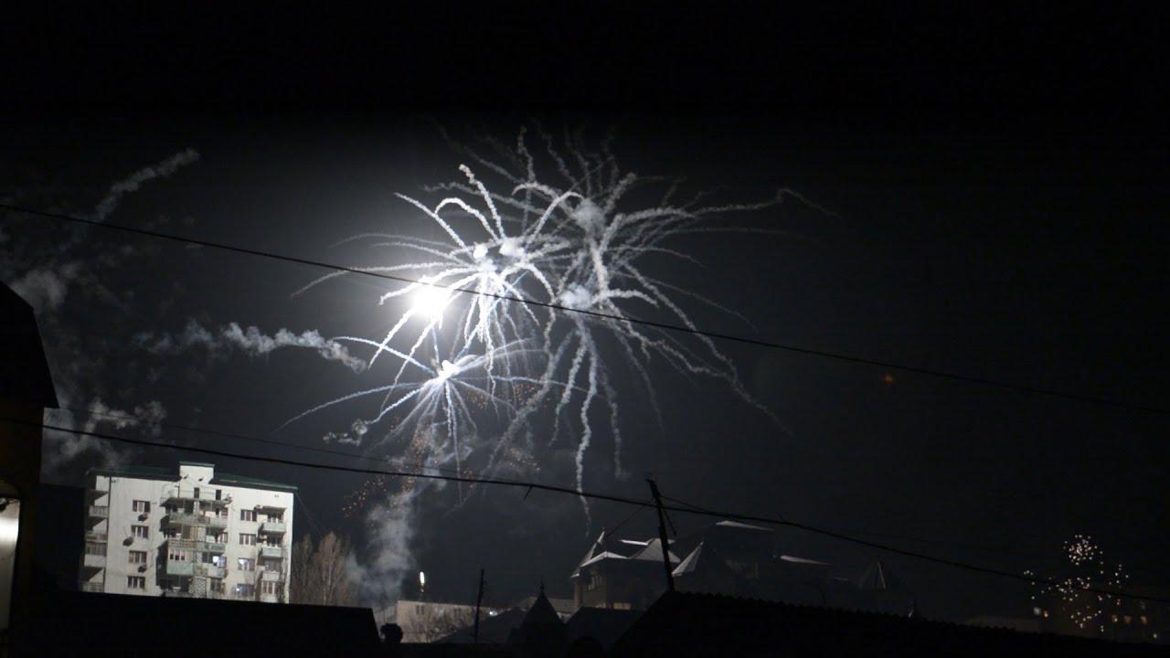 Фейерверки на Новый Год в Махачкале 2019-2020 - YouTube